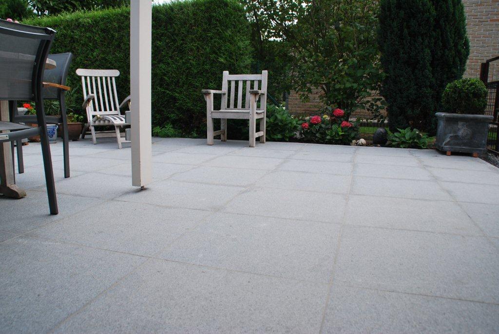 terrassenfliesen terrasse aus naturstein und keramik ceralith ag ceralith tegels. Black Bedroom Furniture Sets. Home Design Ideas